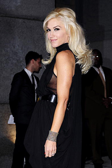 Gwen Stefani - Blonde, Celebrities, Wavy hair, Long hair styles, Female, Hair extensions hairstyle picture