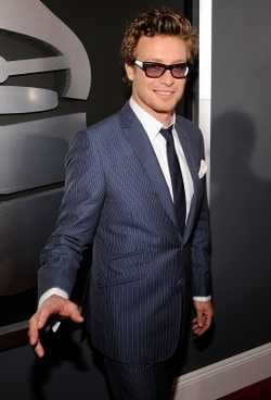 Simon Baker - Blonde, 2b, Celebrities, Wavy hair, Male, Short hair styles, 2009 Grammy Awards hairstyle picture
