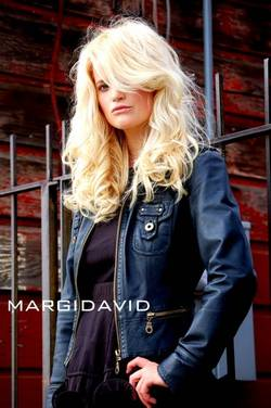 Oribe Beauty - 2a, Blonde, 2b, Wavy hair, Long hair styles, Styles, Female, Adult hair hairstyle picture