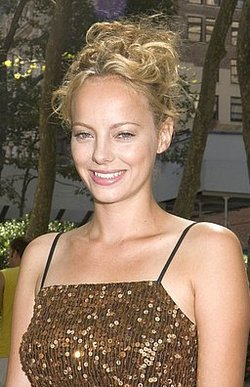 Bijou Phillips - Blonde, 2b, 3a, Celebrities, Medium hair styles, Updos, Special occasion, Female hairstyle picture