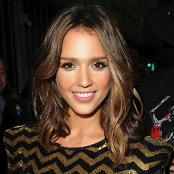 Jessica Alba - Brunette, Celebrities, Wavy hair, Medium hair styles, Female hairstyle picture