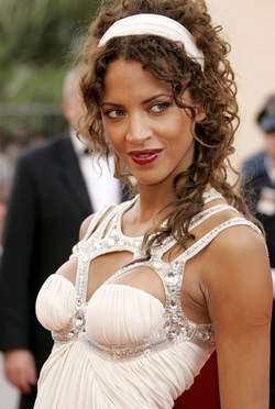 Noemie Lenoir - Brunette, Celebrities, Kinky hair, Long hair styles, Female hairstyle picture