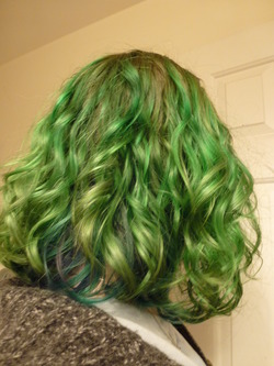 Green Curls! -  hairstyle picture