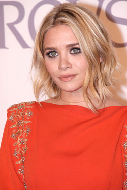 Ashley Olsen - Blonde, Celebrities, Wavy hair, Short hair styles, Female, Bob hairstyles hairstyle picture