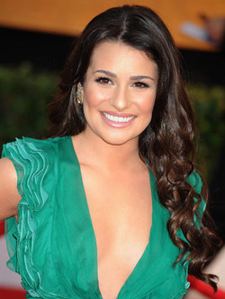 Lea Michele - Brunette, Celebrities, Wavy hair, Long hair styles, Female hairstyle picture