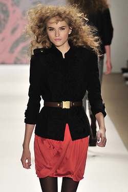 Tibi Fall 2010 - Courtesy of Runway Weekly - Blonde, 3a, Long hair styles, Styles, Female, Curly hair, Adult hair, Prom hairstyles, Formal hairstyles hairstyle picture