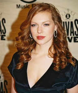 Laura Prepon - Redhead, 2b, Celebrities, Wavy hair, Long hair styles, Female, Curly hair hairstyle picture