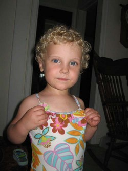 Curly Esme - Blonde, 3b, Short hair styles, Kids hair, Readers hairstyle picture