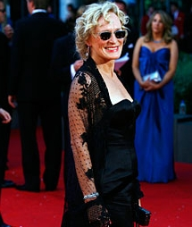 Glenn Close - 2b, Celebrities, Wavy hair, Mature hair, Short hair styles, Gray hair hairstyle picture