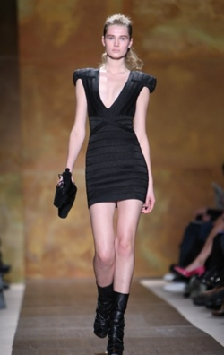 Fashion Week 09 - Herve Leger Collection - Blonde, Wavy hair, Medium hair styles, Updos, Female, Curly hair, 2c, Fashion Week, Fall 2009 Collections hairstyle picture