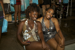 Twisted Naturals Pose Poolside at the Curly Pool Party - Medium hair styles, Kinky hair, Twist hairstyles, Female, Adult hair, Kinky twists, Textured Tales from the Street hairstyle picture