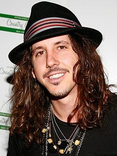 Cisco Adler - 2a, Brunette, Celebrities, Wavy hair, Male, Medium hair styles hairstyle picture