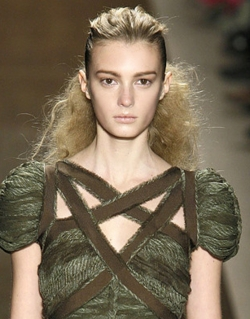 Fashion Week 09 - Herve Leger Collection - Blonde, 2b, Wavy hair, Updos, Long hair styles, Female, Curly hair, 2c, Fashion Week, Fall 2009 Collections hairstyle picture