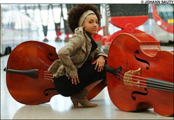 Esperanza Spalding - Brunette, 4a, Celebrities, Short hair styles, Kinky hair, Afro, Female hairstyle picture