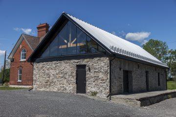 Découvrez le riche patrimoine algonquin de la capitale au pavillon Kabeshinân Minitig sur l'île Victoria