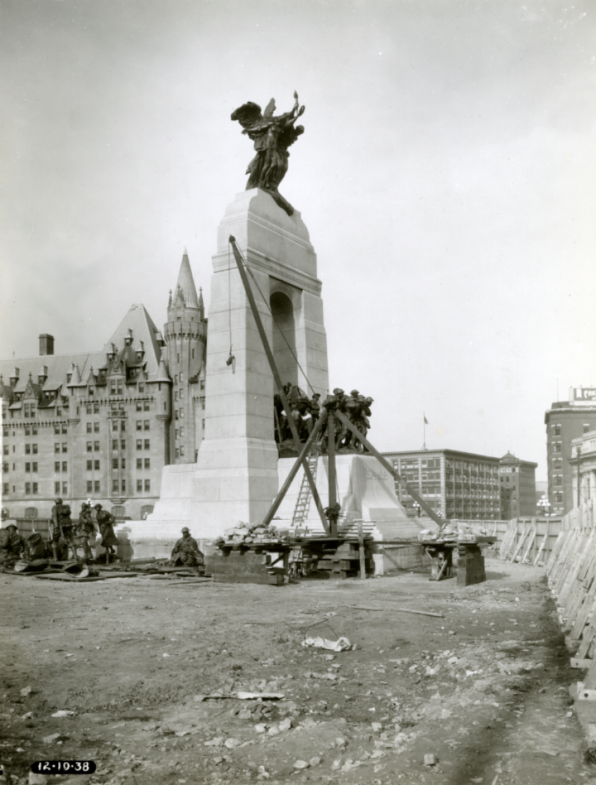 Chantier de construction du Monument commémoratif de guerre du Canada.