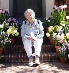 Eliz_cropped_2_at_filoli_3_09