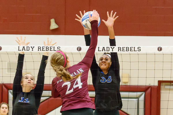 Brentwood volleyball sweeps Franklin