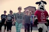 """Texting Yoga Pants"" moms parody minivans in new video"