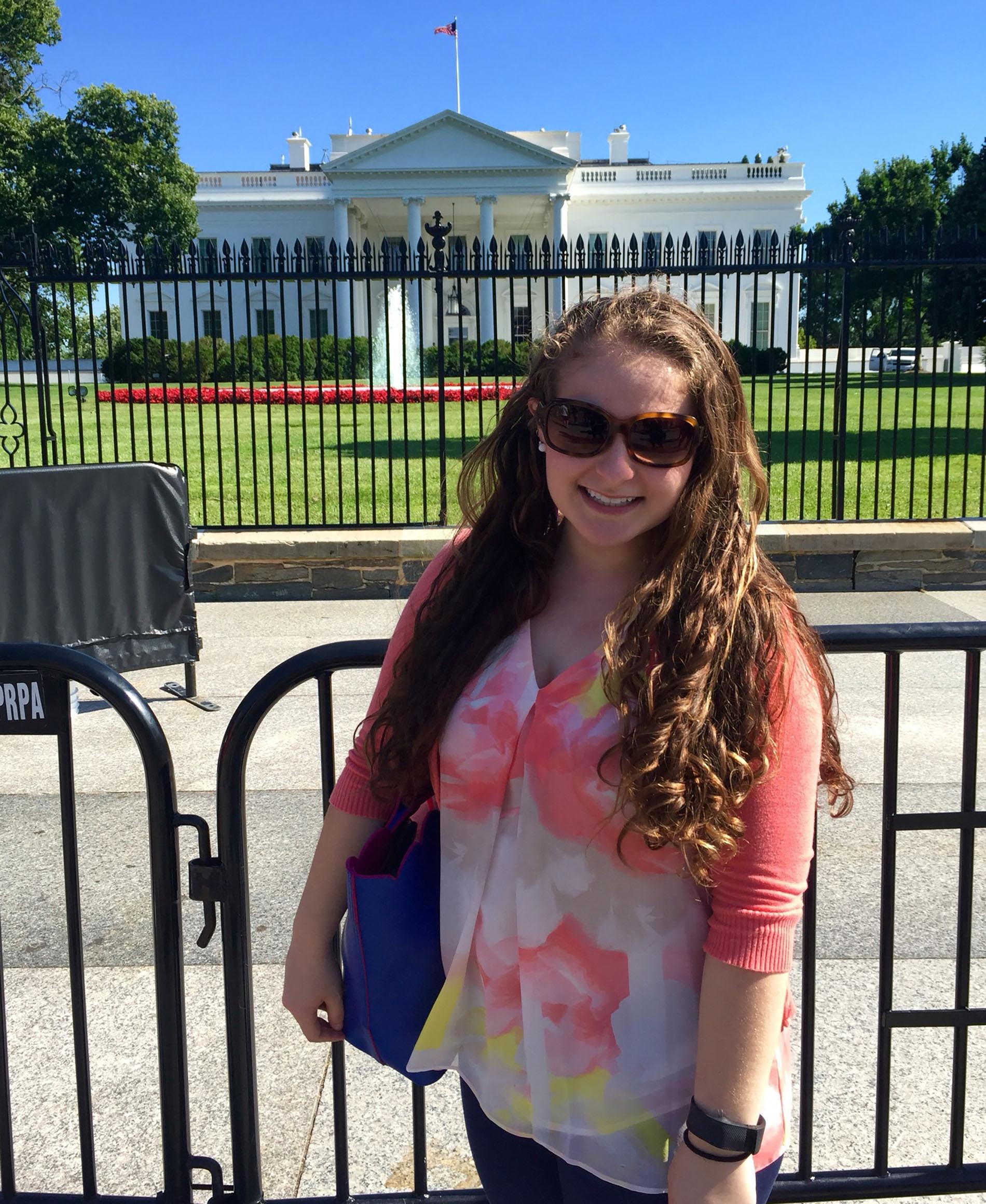 Nicole Hyman '18 visits The White House