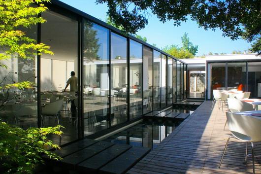 Restaurante mercat 01 arquitectos plataforma arquitectura for Restaurante arquitectura