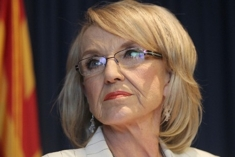 Jan_brewer_reuters_darryl_webb_column