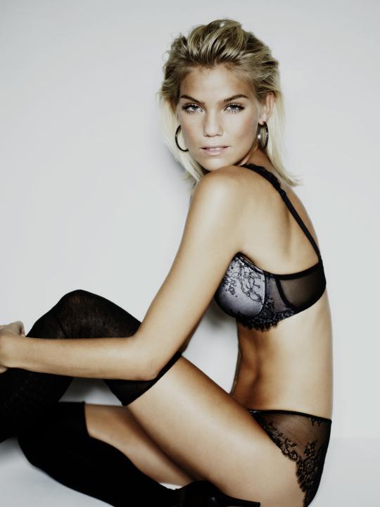 Vanessa Staylon Nude Photos 9
