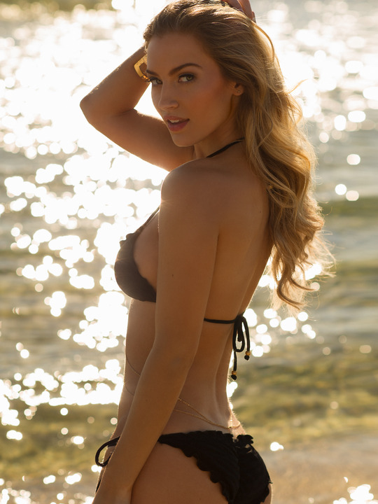 Sports Illustrated Swimsuit 2016 Casting Call: Lilly Sanders