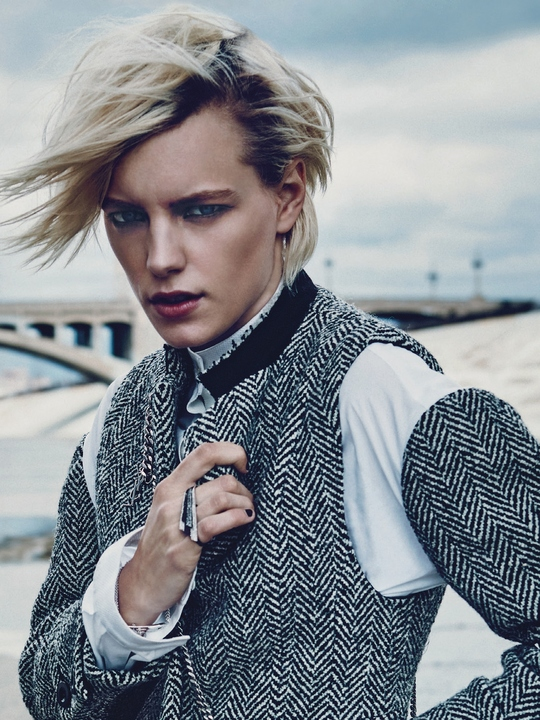 Next London Erika Linder
