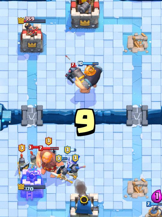 A close fight in Clash Royale