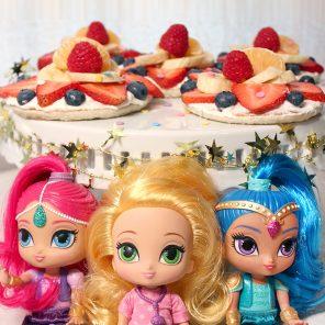 Fab & Fruity Pancake Pizzas