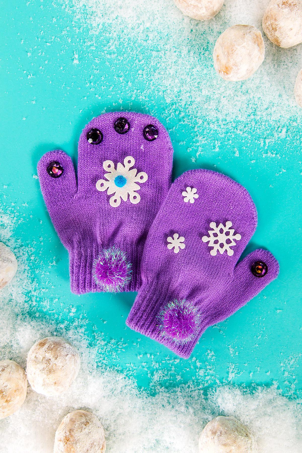 Everest Birthday Party Glove Craft