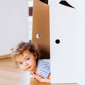 5 Ways to Keep Kids Occupied in Small Spaces