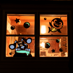 Easy Nick Jr. Window Decorations
