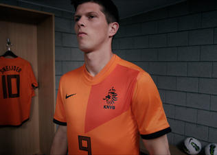 Huntelaar_betterworld_homentk_07_preview