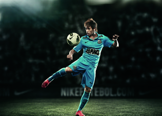 Neymar_in_the_100th_jersey_preview