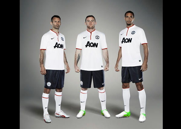 Nike Unveils Manchester United Away Kit for Season 2012-13