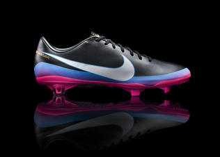 Nike_cr7_collection_boot_profile_preview