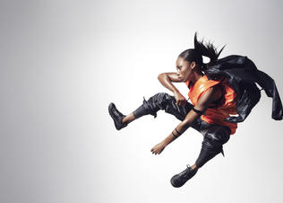 2-allyson_felix-black_and_orange_preview