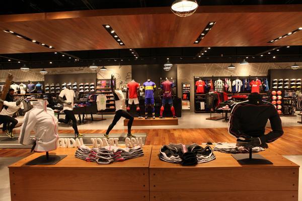 Nike anuncia más de 1.000 despidos para hacer frente a su descenso en ventas