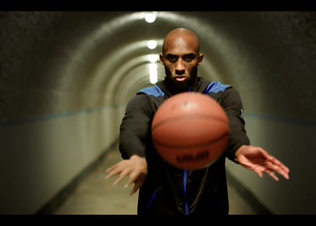 Kobe_pass_ball_preview