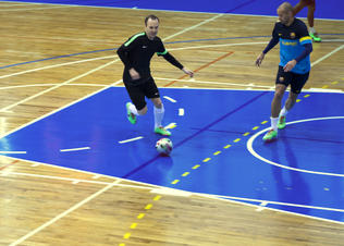Nike_iniesta_futsal_2_preview