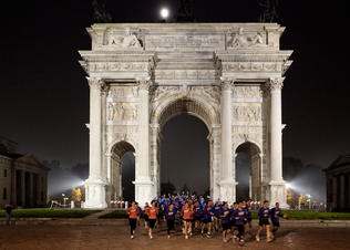 We-own-the-night-milan-arco-della-pace-at-parco-sempione_preview