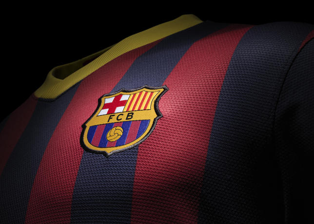 Fa13_fb_clubkits_barca_replica_home_crest_0234_large