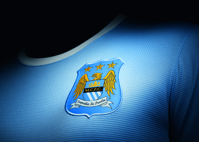 Fa13_match_manchester_city_h_crest_sm_c_large