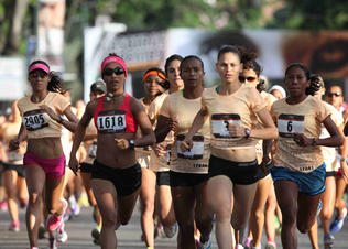 She-runs-caracas-03_preview