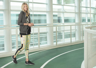 Maria_sharapova_in_aztec_alibi_tights_preview