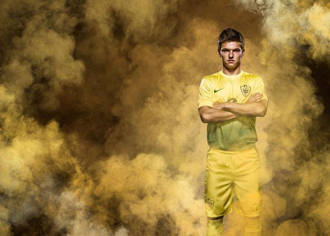Nike_Anji_home_kit_shatov_large.jpg?1371