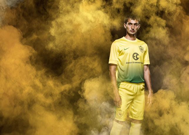 Nike_Anji_home_kit_gadzhibekov_large.jpg