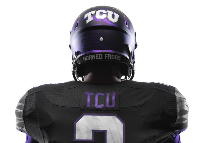 NCAA_FB13_UNIFORMS_TCU_DET_Back_0014_lar